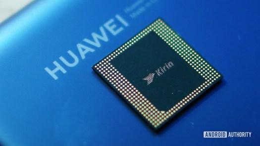 Kirin 990 with Huawei logo