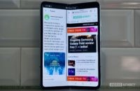 Samsung Galaxy Fold Review against the wall