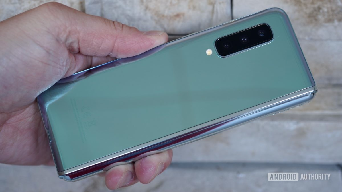 Samsung Galaxy Fold Review shimmery back