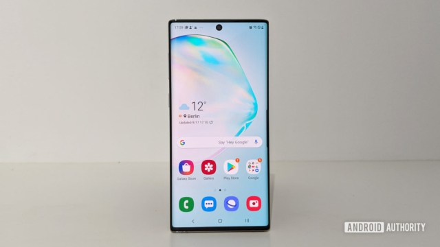 Samsung Galaxy Note 10 home screen display