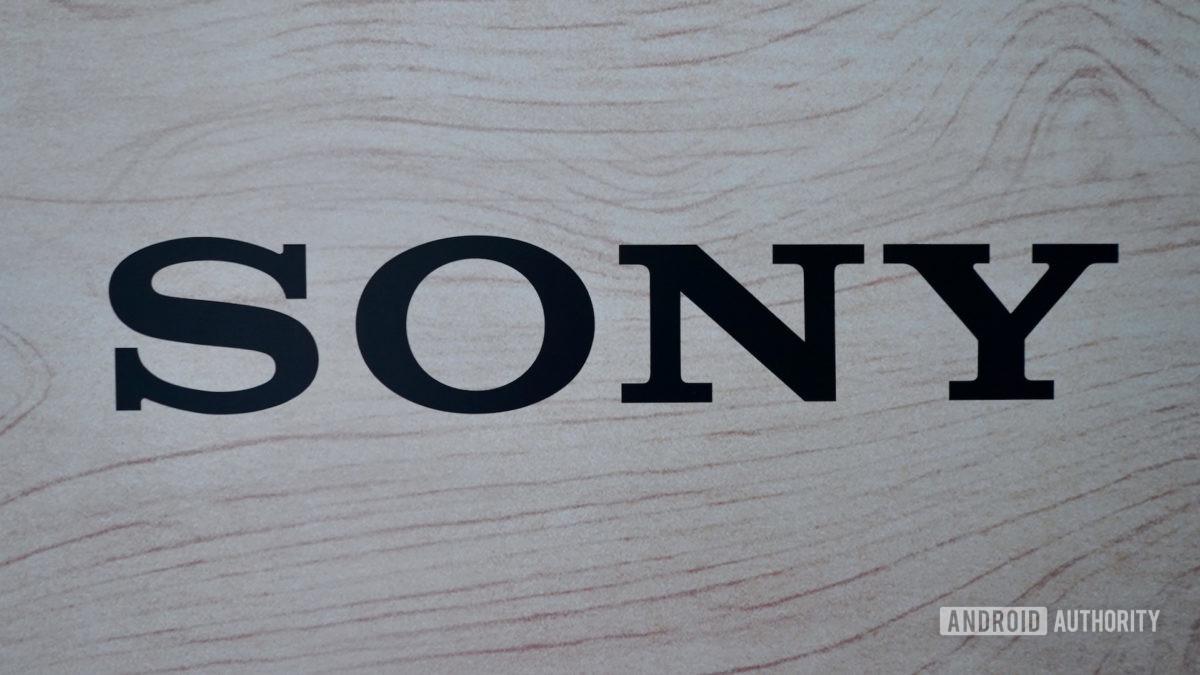 Logotipo da Sony preto em madeira