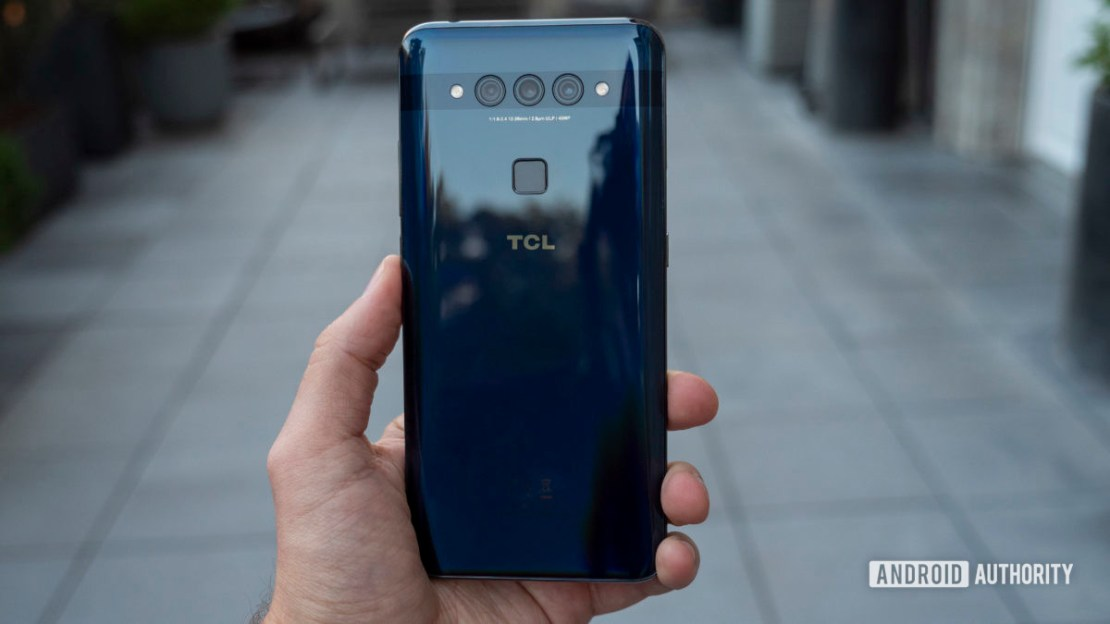 TCL Plex hands on blue in hand rear cameras 4