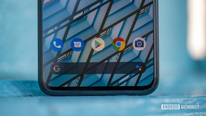 Google Pixel 4 XL bottom bezel and app dock 10