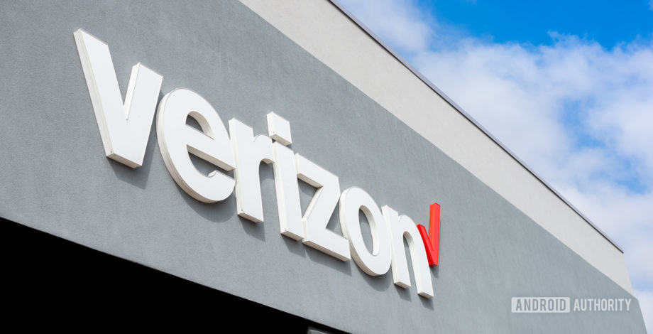 Verizon is buying Tracfone to claim an edge in prepaid phone carriers