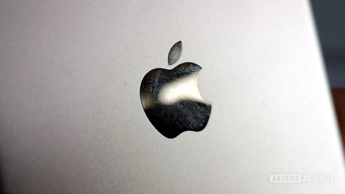 apple logo close iphone