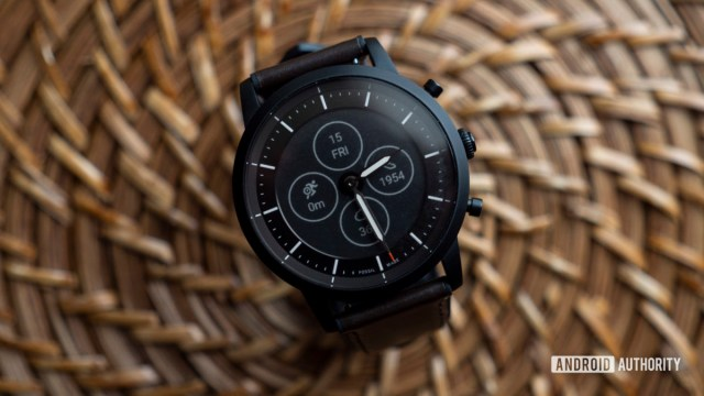 fossil hybrid hr review watch face collider hr 2