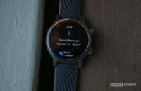 Moto 360 2019 review google assistant feed