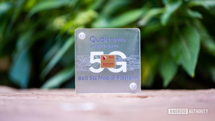 Qualcomm Snapdragon 865 in plastic case
