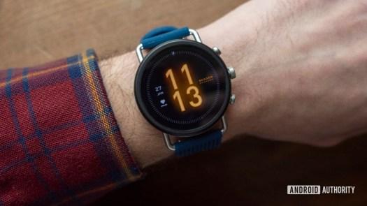 skagen falster 3 review watch face on wrist 2