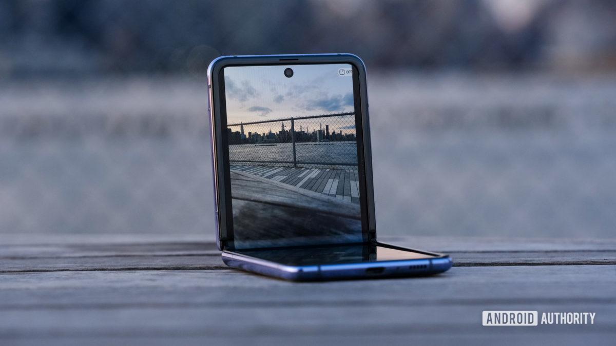 Metade superior da câmera Samsung Galaxy Z Flip