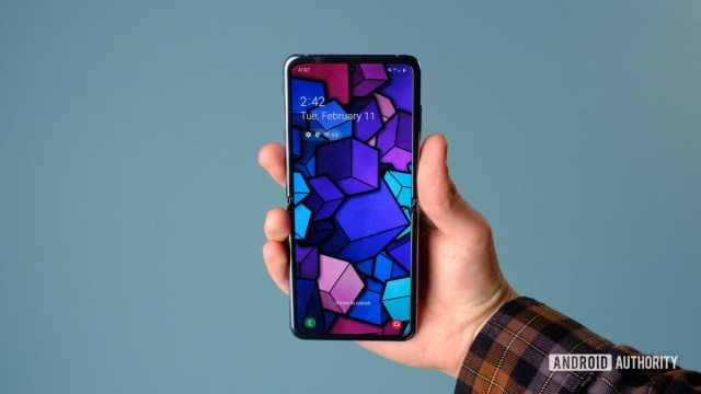 Samsung Galaxy Z Flip hands on screen in hand