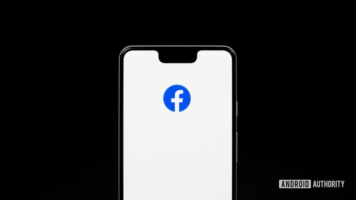 Приложение Facebook на телефоне 2