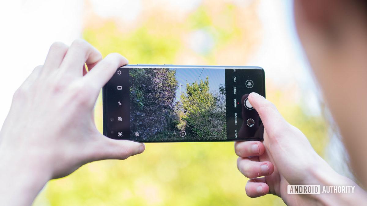 Huawei P40 Pro Фотосъемка с помощью приложения камеры