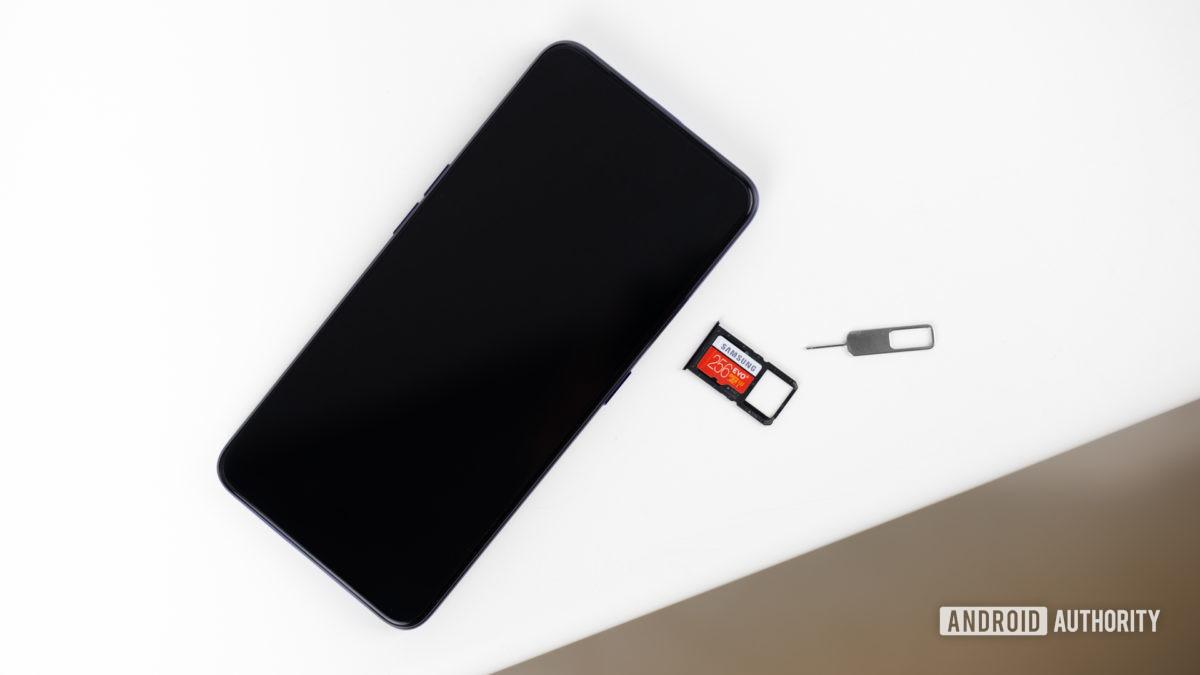 Слот для карты памяти MicroSD, фото 1