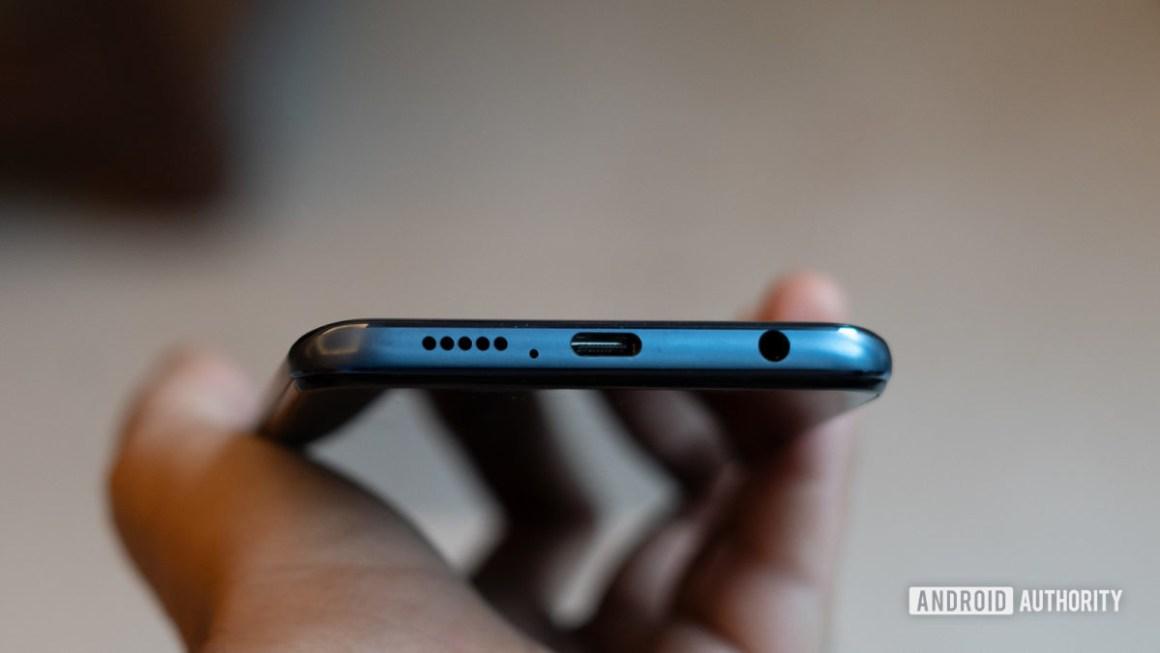 Нижний край Redmi Note 9 Pro с портом USB C и разъемом для наушников