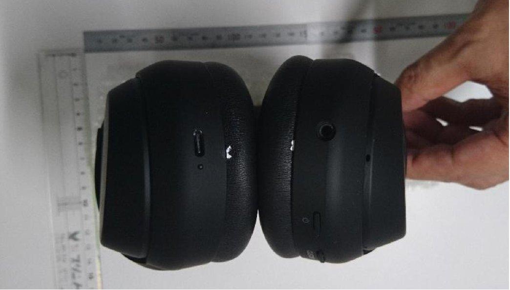 Sony WH 1000XM4 leak USBC headphone jack