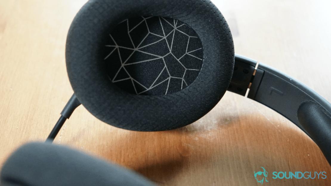 SteelSeries Arctis 1 Wireless headphone pad