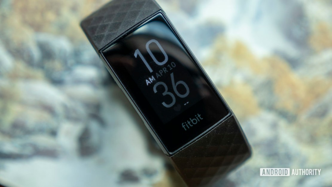 fitbit charge 4 review watch face 1