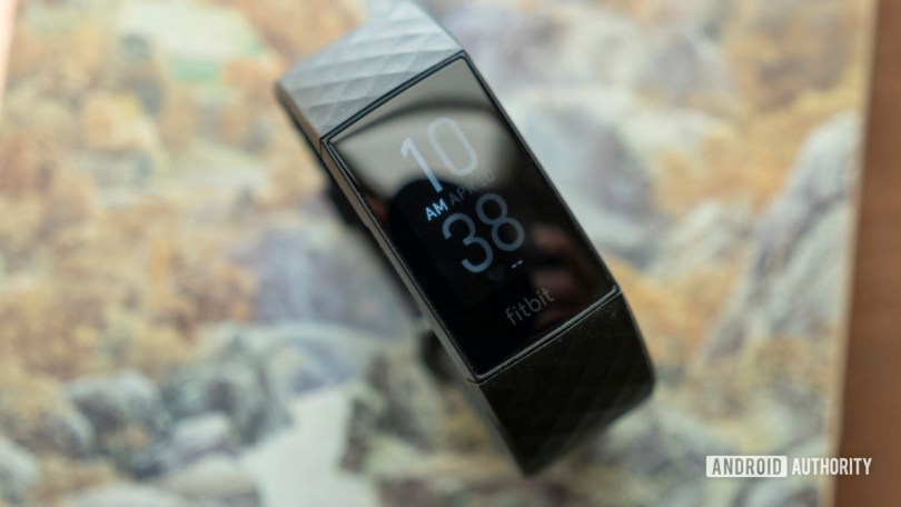fitbit charge 4 review watch face 2