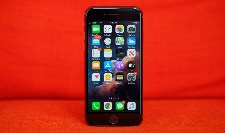 iPhone SE home screen