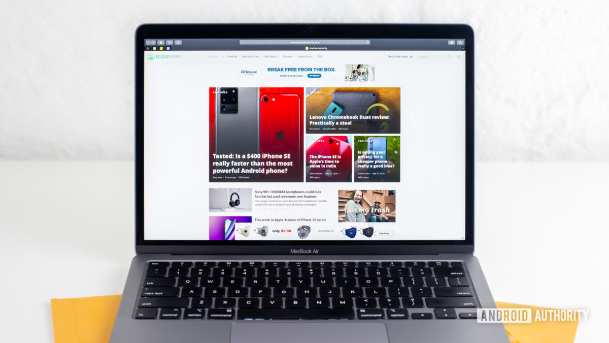Обзор MacBook Air 2020 года с экраномjpg
