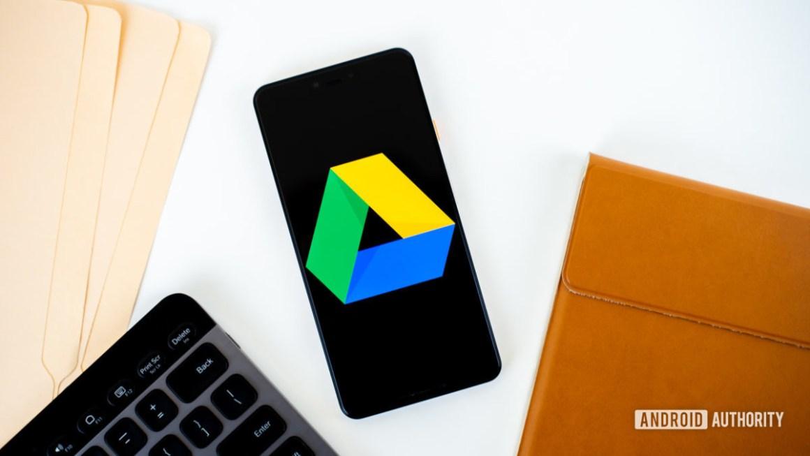 Логотип Google Диска на смартфоне stock photo 3