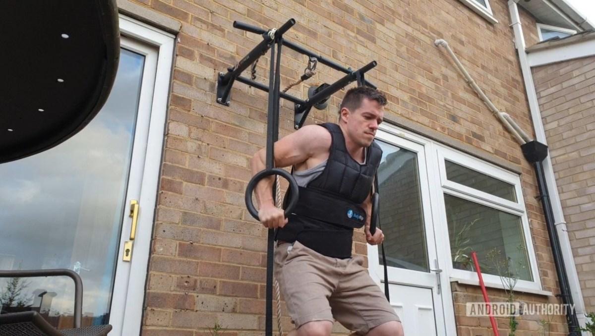 Гимнастические упражнения с кольцами