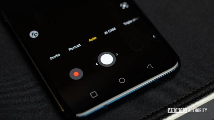 LG V40 ThinQ camera app shutter button