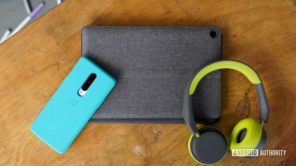 Lenovo Chromebook Duet с аксессуарами