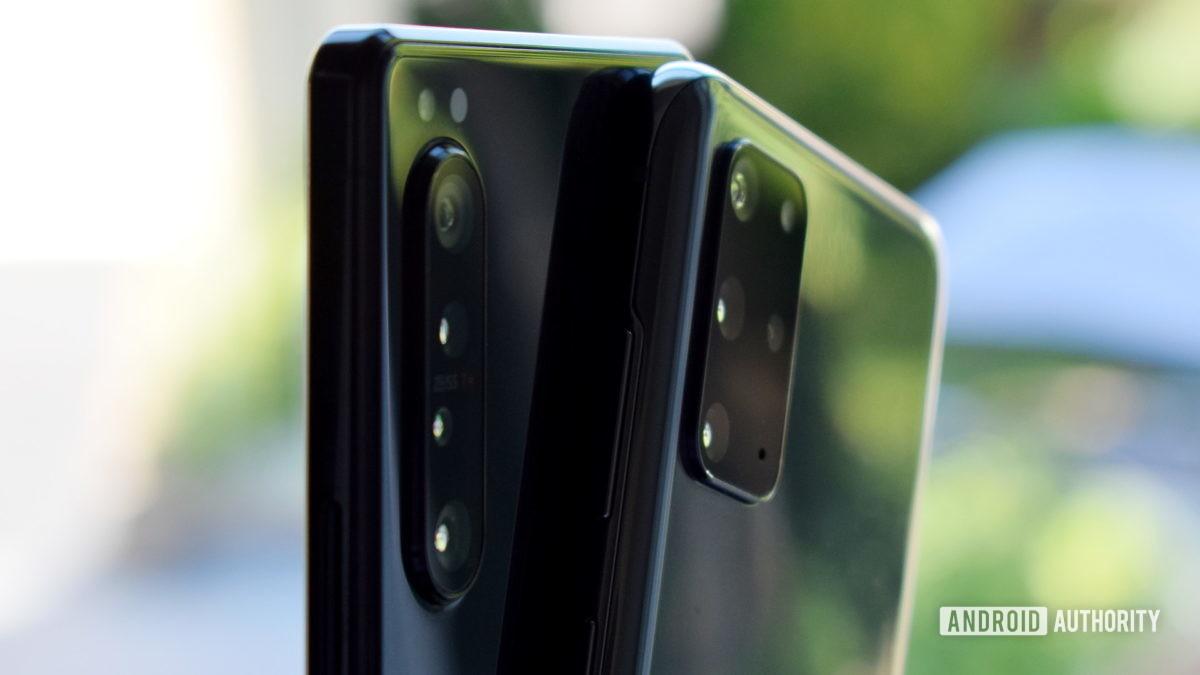 Galaxy S20 Plus против камер Xperia 1 II