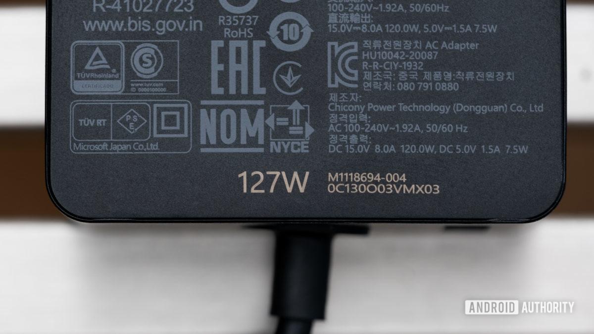 Макрос зарядного устройства Microsoft Surface Book 3