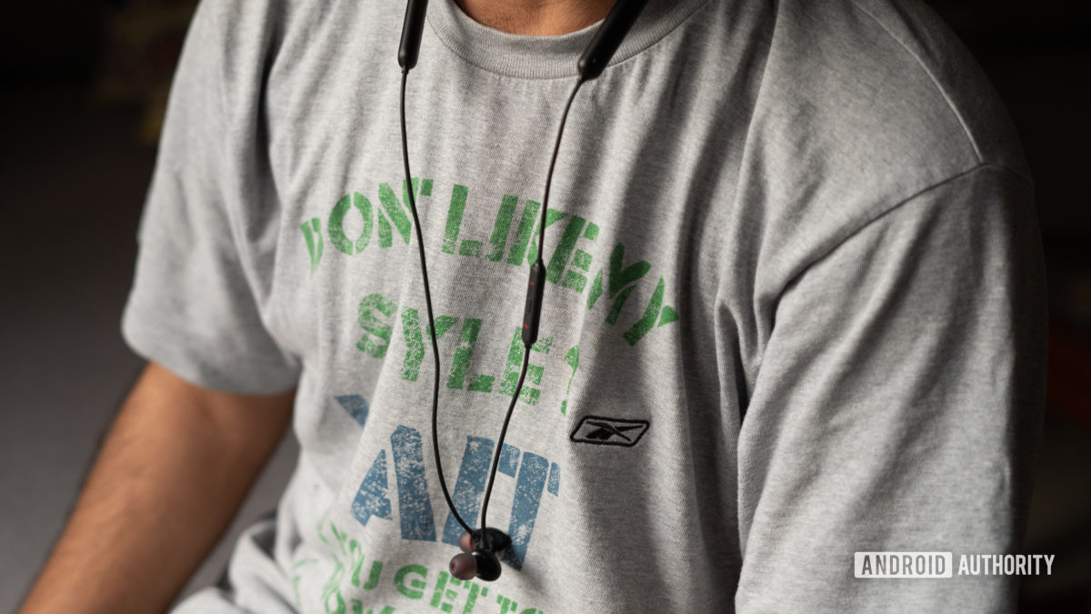 OnePlus Bullets Wireless Z свисающие