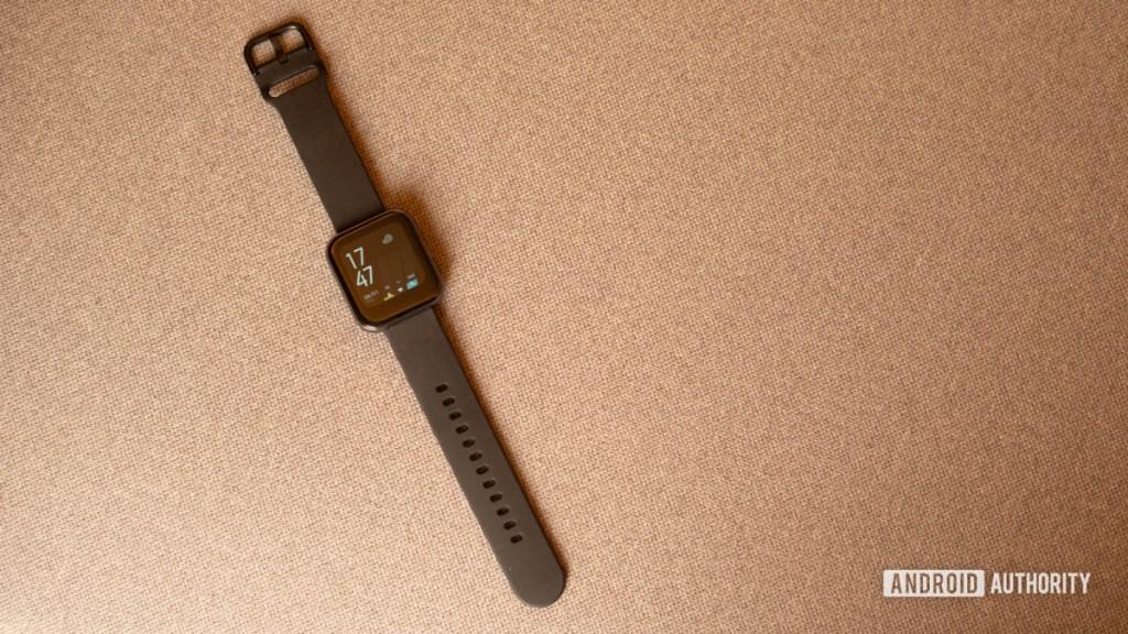 Снимок переднего профиля Realme Watch