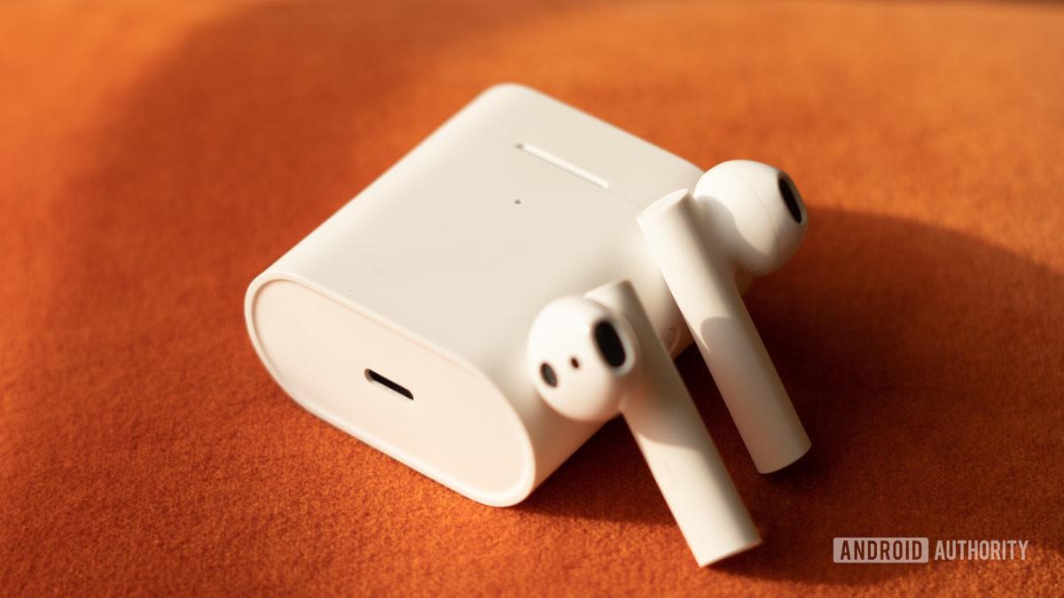 Изображение Xiaomi True Wireless Earphones 2 USB C порт зарядки
