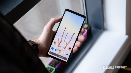 Sony Xperia 1 II screen in hand