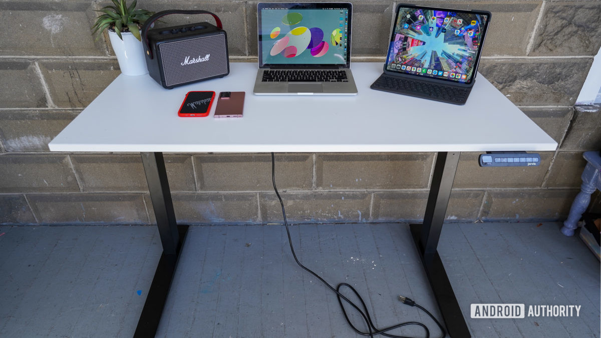 Fully Jarvis Standing Desk Review A Motorized Bruiser