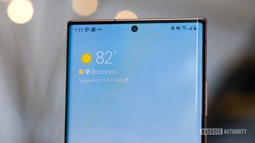 Samsung Galaxy Note 20 Ultra front camera semi macro