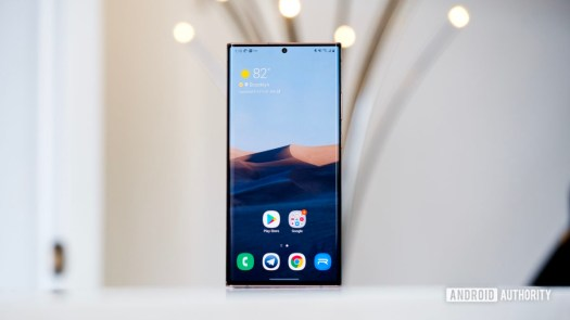 Samsung Galaxy Note 20 Ultra screen straight on close 1