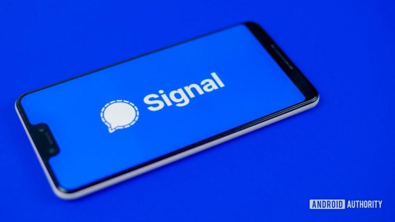 Signal Private Messenger stock photo 6