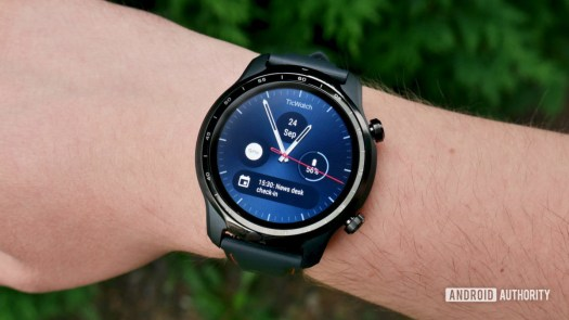 ticwatch pro 3 gps review front