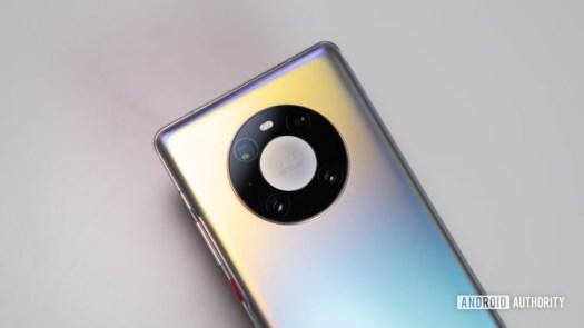 Huawei Mate 40 Pro close up of ring camera