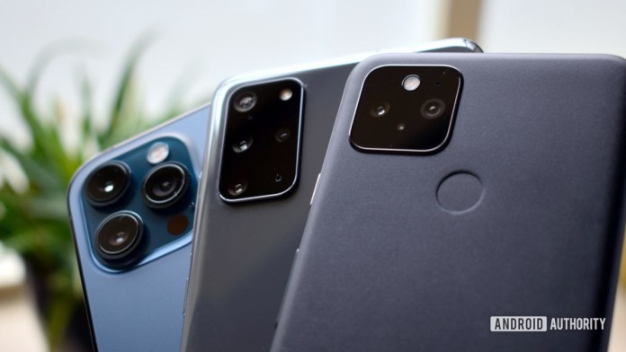 Apple vs Google vs Samsung cameras EOY 2020