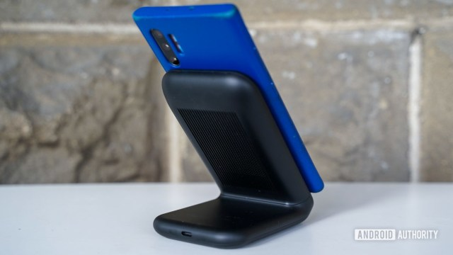 Подставка для беспроводного зарядного устройства Samsung, вид сзади