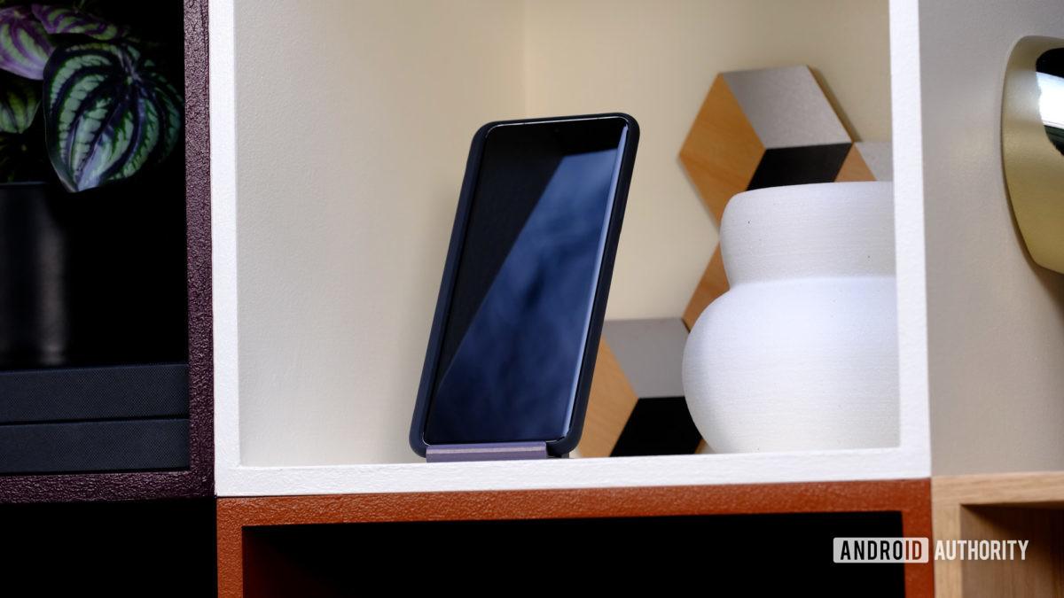 Tela do Samsung Galaxy S21 Plus desligada