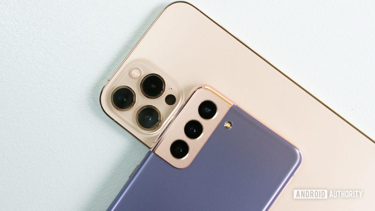 Samsung Galaxy S21 против Apple iPhone 12 Pro Max 2