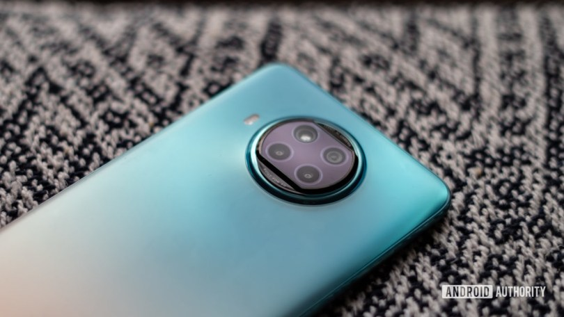 Xiaomi Mi 10i review camera close up