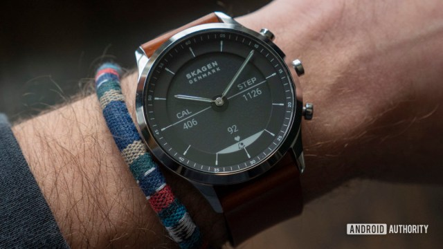 skagen jorn hybrid hr review e ink display watch face on wrist 1
