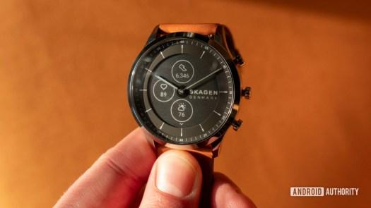 skagen jorn hybrid hr smartwatch in hand e ink display