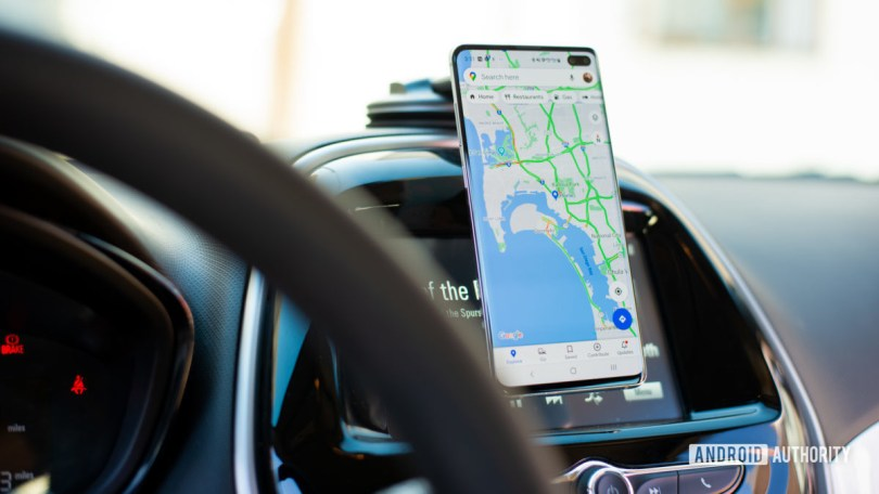 Aukey Car Magnetic Phone Mount review 4