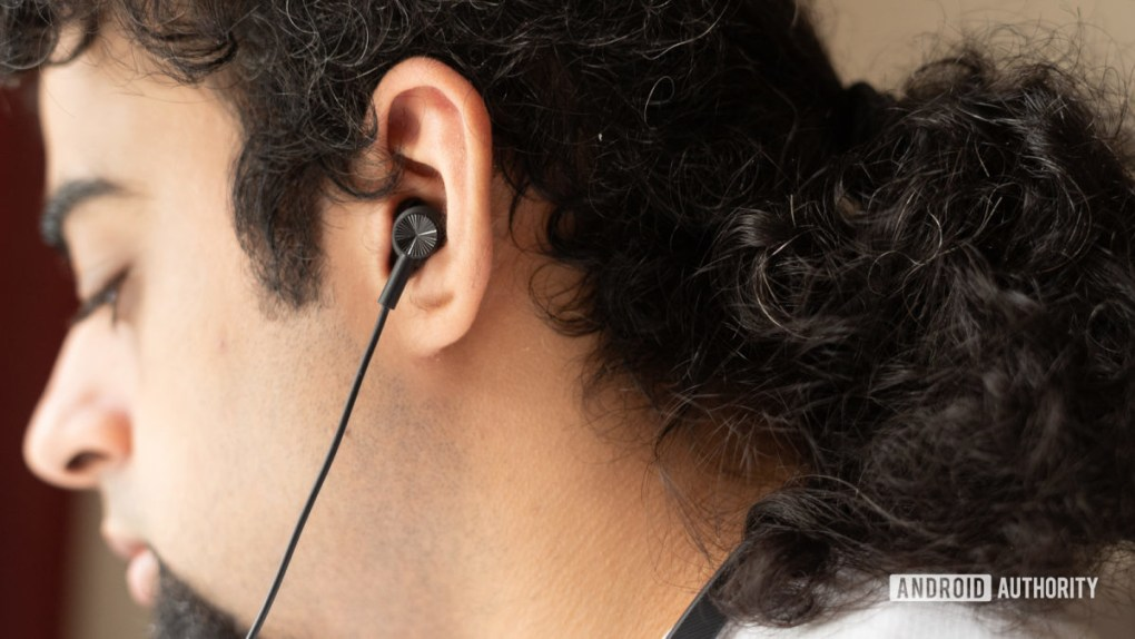 Mi Neckband Bluetooth Earphones focus on earbuds